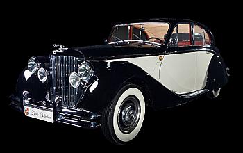 Tiriac Collection prezinta doua exemplare istorice de exceptie apartinand marcilor   Jaguar si Mercedes-Benz, in cadrul Salonului Auto Bucuresti si Accesorii 2019